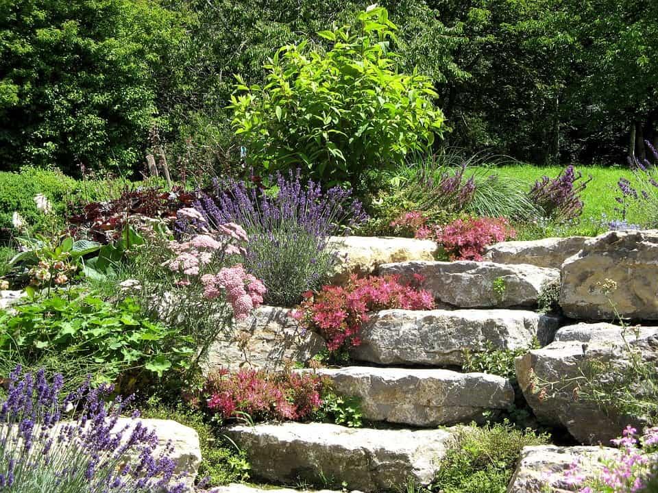 Schody z prírodného kameňa